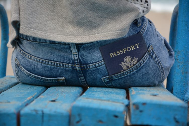 Emigreren naar het buitenland? DiSofa geeft tips voor het omgaan met je emoties